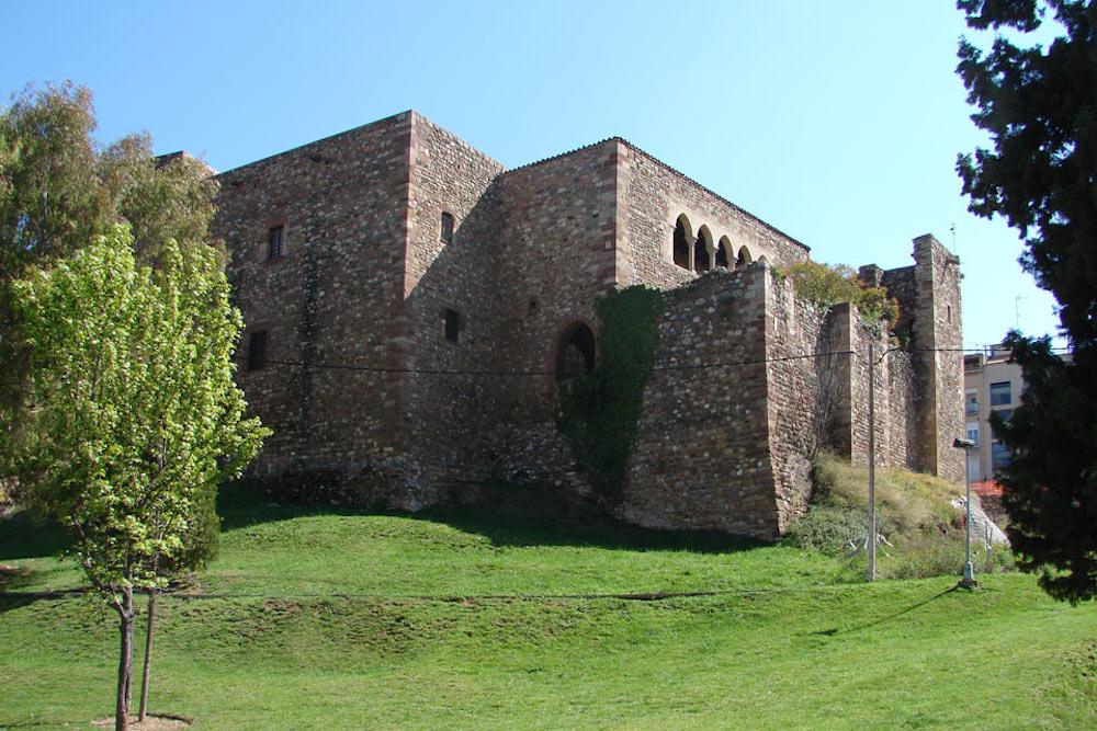 El castillo cartuja de Vallparadís y la torre palacio